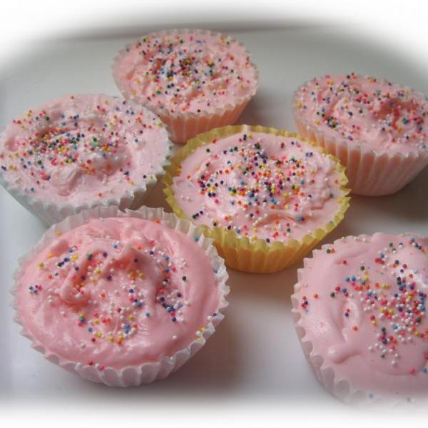 cupcake party soaps. set of 6